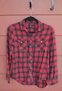 Red & Black Long-Sleeve Plaid Flannel St Catharines, L2T 2W6