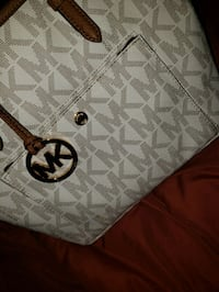 white and gray Michael Kors leather tote bag Hollister, 95023