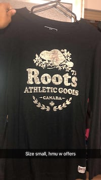 Black and grey roots scoop-neck long-sleeved shirt 447 km