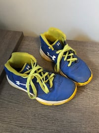 Youth under armour runners size 2Y Edmonton, T5X 4V3
