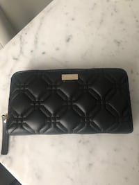 Used Kate Spade patterned leather wallet. Toronto, M1T 3L4