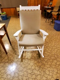 White wood Rocking Chairs with Cushions