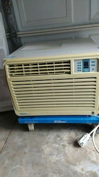 Large AC /make/Danby designer 10500Btu/hr London, N6G 1L7