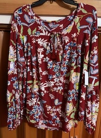 2 pieces: Women size 1x Brand New w/ Tag blouse & halter romper Hayward, 94544