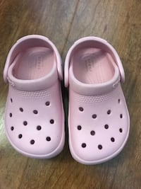Toddler Crocs size 7 in good condition (pick up only) Alexandria, 22315