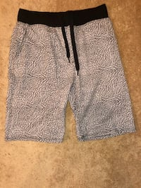 Elephant print shorts Woodbridge, 22192