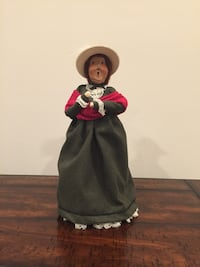 Byers' Choice Caroler - Lady w/ Glasses Sykesville, 21784