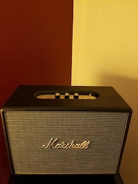black and gray Marshall amplifier