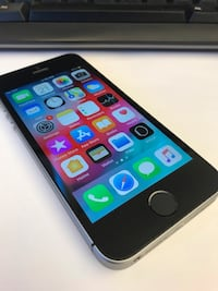 iPhone SE 64GB. Absolute Mint condition Toronto, M8X 1Y6