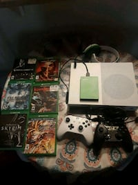 Xbox one s,games, controllers and headset  Mesa, 85202