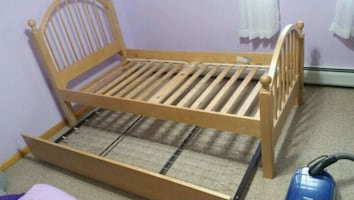 Wood twin bed