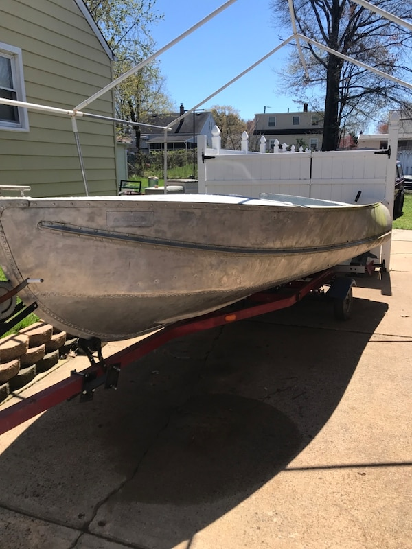 17' aluminum boat with motor and accessories