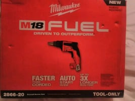 Milwaukee M18 FUEL DRYWALL SCREW GUN
