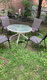 4Outdoor chairs and tables Montréal, H3J 1B3