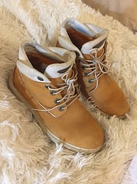 Timberlands boots Vancouver, V6E 1N6