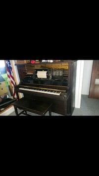 Chase brothers player piano great shape works