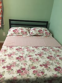 White and pink floral bed sheet Arlington, 22206