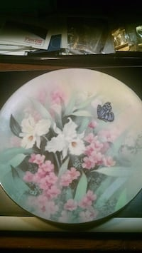 Knowles Flowers Collector Plate Centreville, 20120