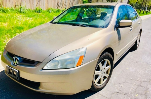 2003 Gold Honda Accord ** Price is Very Firm**