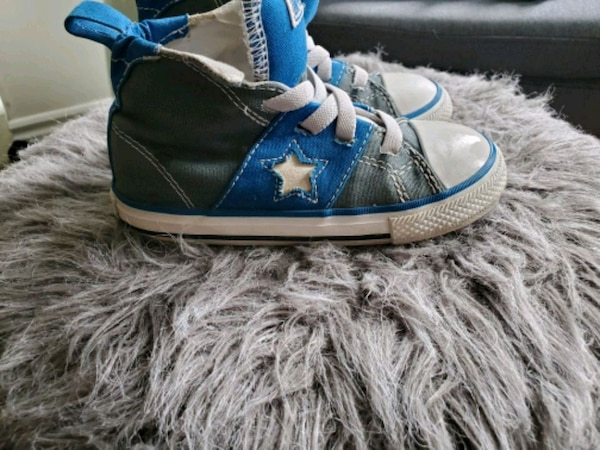 Kid converse size 9