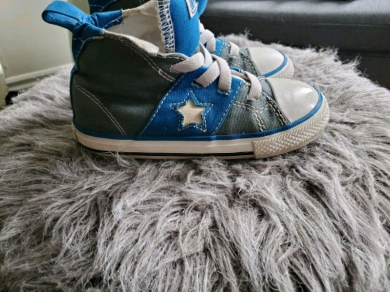 Kid converse size 9 0
