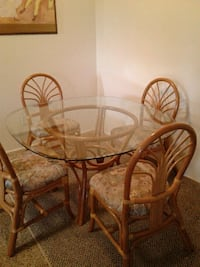 RATTAN TABLE GLASS/4 CHAIRS  Tucson, 85718