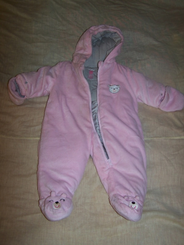 5b8e27396 Carter's Plush Pink one piece baby snow suit 3-6 mo. with hood
