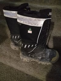 Heavy duty insulated boots