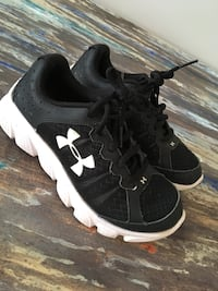 Youth size1.5 ua shoes Hubert, 28539