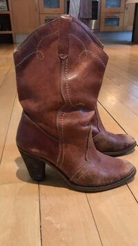 Vintage leather boots size 5 Toronto, M6G 3G8