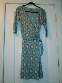 Stunning Anne Taylor Wrap Dress! Sz 4.