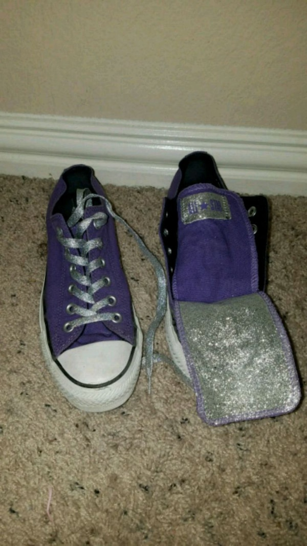 60fd7f4525ea Brukt pair of purple Converse All Star size 6 til salgs i Fort Worth ...