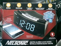 Nelsonic am/fm alarm clock radio Cambridge, N3H 4L9