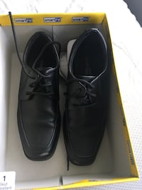 Boys size 1 shoes worn 2 times Mississauga, L5B 4G7