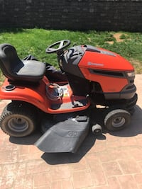 red and black ride on lawn mower Morgantown, 26505