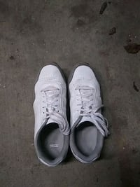 pair of white Nike Air Force 1 low shoes 2304 mi