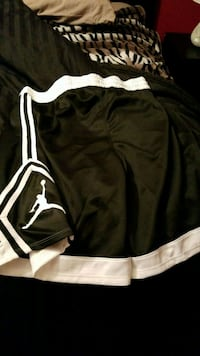 Never warn mens jordan shorts  535 km