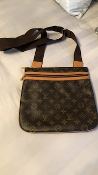Authentic!!! Brown louis vuitton leather shoulder bag. Like NEW!