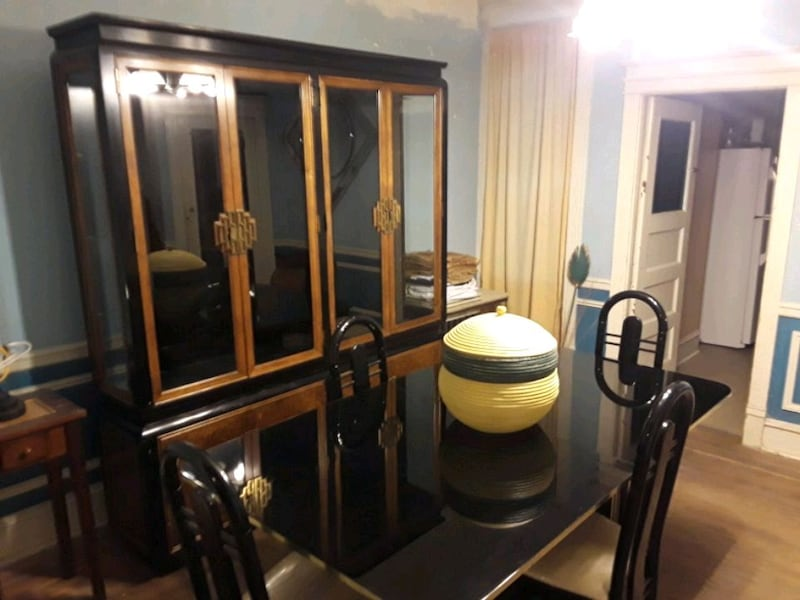 brown wooden framed glass display cabinet 8309b592-b17e-49bb-960b-9fb3a1dbdabb