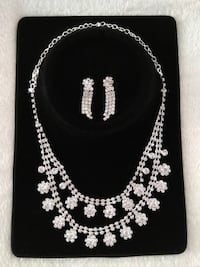 New Earrings and Necklace Set Whitchurch-Stouffville, L4A 1E3