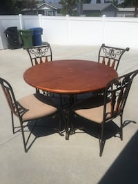 Wood/rod iron kitchen table and chairs Los Angeles, 91307