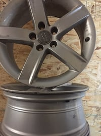 gray Audi 5-spokes vehicle wheel Barrie, L4M