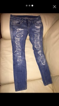 screenshot di jeans strappati blu denim Country Park, 80014