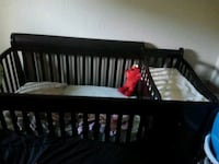 baby's brown wooden crib 3 draw Tampa, 33602