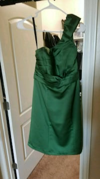 Green satin Alfred Angelo Dress Bakersfield, 93314