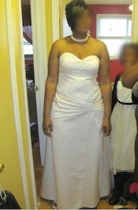 Women's white sweetheart neckline wedding dress Toronto, M3N 1J1