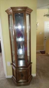 Solid wood curio cabinet (pick up only) Toronto, M4C 4S4