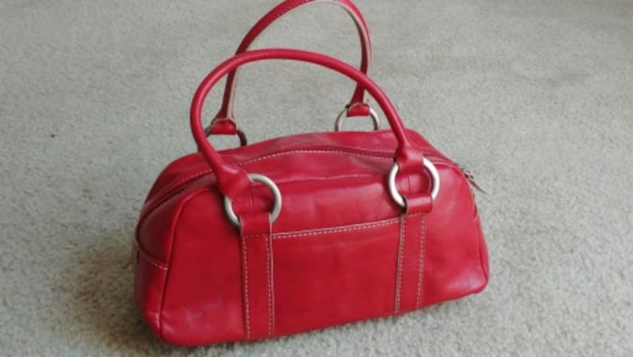 Women's 100% genuine leather cherry red handbag (brand: Hype) 1a577010-1667-4b9f-8092-7b4d73e08075