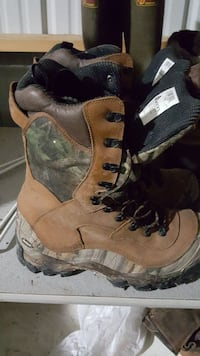 pair of brown-and-green tree camouflage combat boots Leonard, 48367