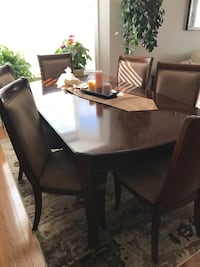 Cherry wood dinning table PRICE REDUCED 3121 km